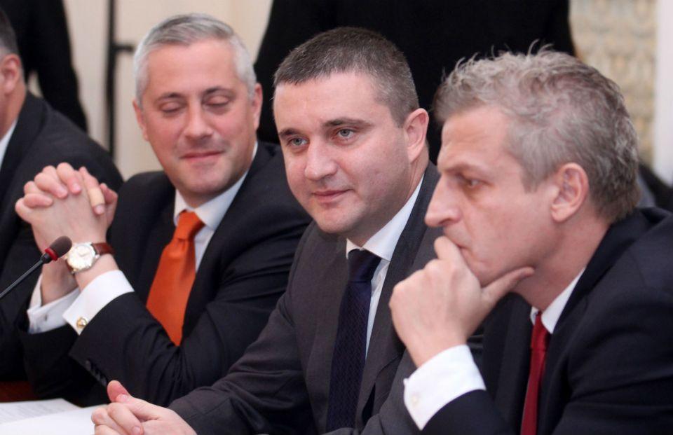 Министрите на икономиката, на финансите и на здравеопазването - Божидар Лукарски, Владислав Горанов и Петър Москов
