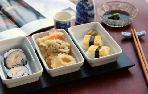 "Футомаки суши и зеленчукова темпура. Снимка: ""Чубрица"""
