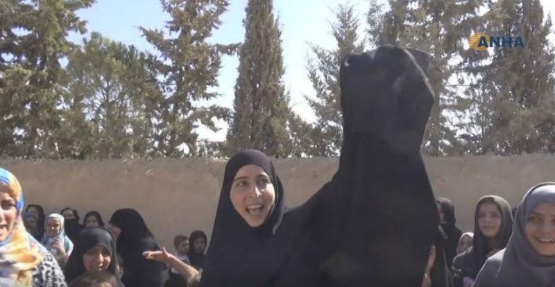 сирийка хиджаб никаб палеж