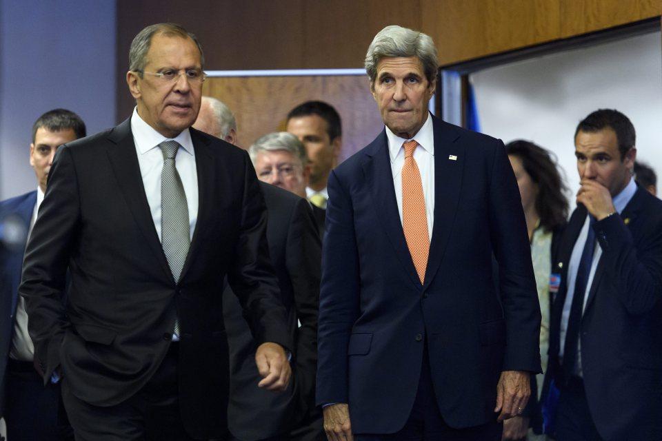 Кери и Лавров на брифинг след 12-часовите преговори в Женева. Снимка: ЕРА/БГНЕС