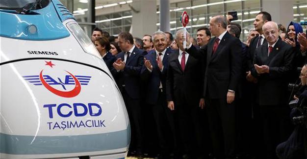 Управляващият елит на Турция се изсипа на откриването на гарата в Анкара