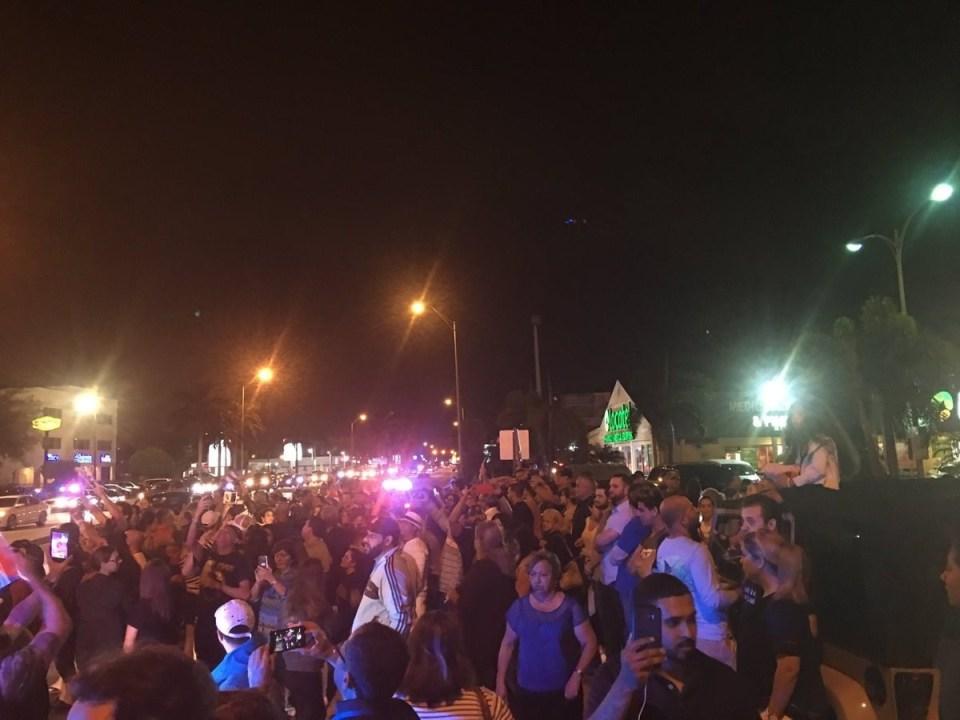 Радостта от смъртта на Кастро - втори ден кубинците в Маями празнуват