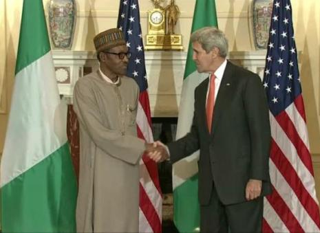 President Muhammadu Buhari (l) and US Secretary of States John Kerry during press briefing