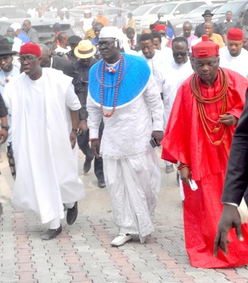 L-R- Delta State Gov, Dr Ifeanyi Okowa, Delta State PDP Chairman, Kingsley Esiso and King of Agbon Kingdom, Ogurimerime Okori 1