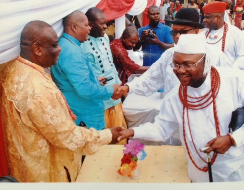 Multiple Chief Emmane Okpako Ganiga, Ughegbe R'Ovie of Ughelli Kingdom exchanging pleasantries with Chief Mafuru and others during the ceremony