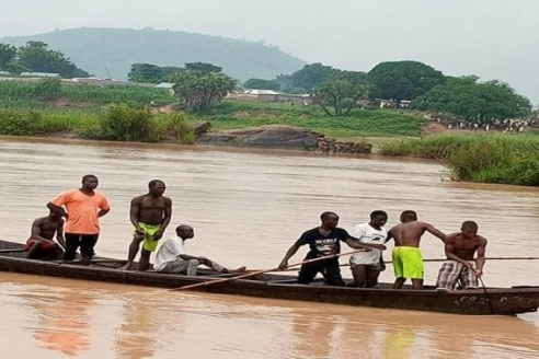 Delta: Eight Dead As Canoe Capsize While Ferrying Stranded People From Flooded Area