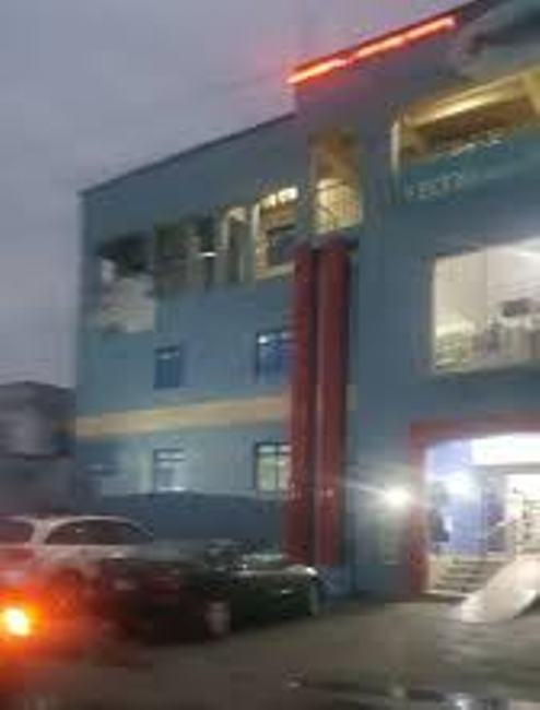 Hoodlums Defile  Okowa's 48Hrs Curfew, Vandalise, Loot Popular Sapele Mall