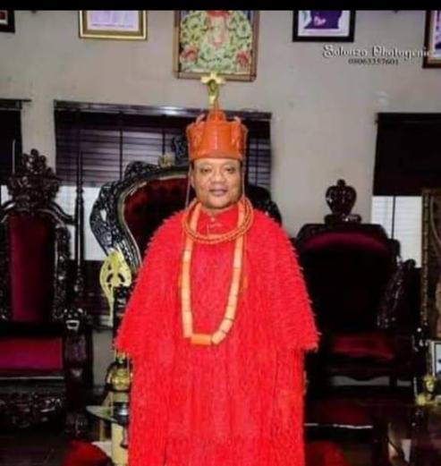 Ughelli Monarch Decries Killing, Violence As Protesting Market Women Storm Palace