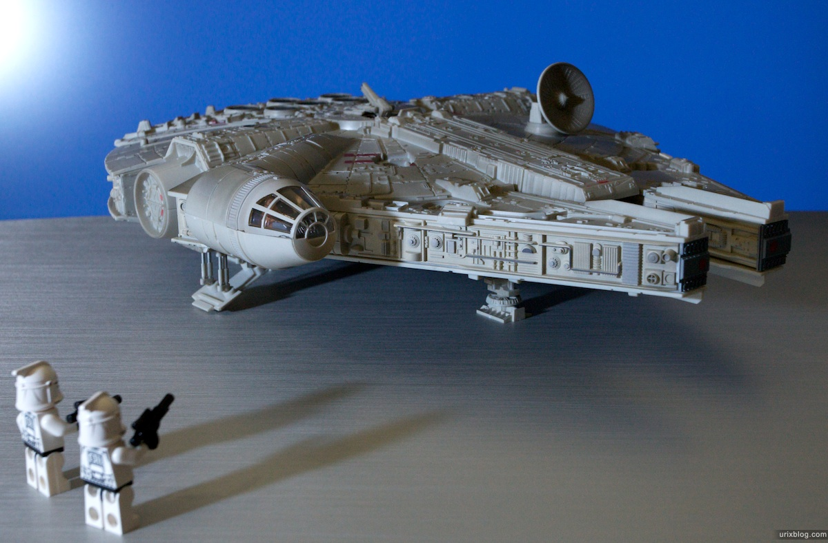 2009 AT-AT Millennium Falcon plastic scale models