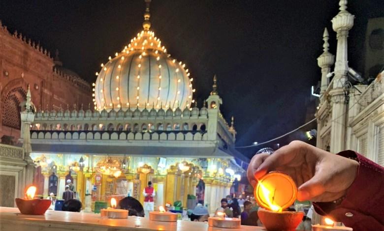 Photo of हज़रत निज़ामुद्दीन औलिया दरगाह पर दीपावली का जश्न मनाया गया।