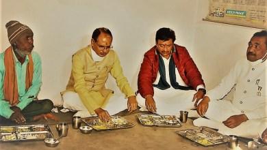 Photo of सतना में छेदीलाल के यहां मुख्यमंत्री ने चटनी और चोंखा का चखा स्वाद