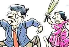 Photo of पत्नी से परेशान कलेक्टर ने थाने में लगाई गुहार !