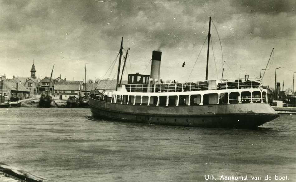 Vaste bootdienst tussen Urk, Enkhuizen en Kampen