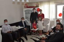Milletvekili Özkan Çocukların Gününü Sürprizlerle Kutladı