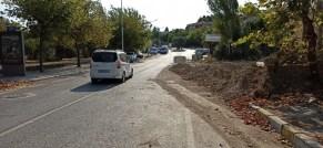 İzsunun Cadde Üzerinde Açtığı Yaklaşık 2,5 Metre Derinlikteki Çukur Tehlike Saçıyor
