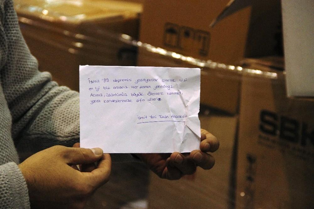 İzmire Gönderilen Yardım Kolilerinden Duygulandıran Notlar Çıkıyor