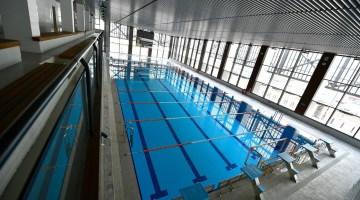 Bornova'da yarı olimpik kapalı yüzme havuzunun yapımı tamamlandı