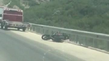 Motosiklet sürücüsü genç kız kazada hayatını kaybetti