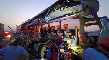 Manisa Valiliğinden kazayla ilgili açıklama: 6 ölü, 37 yaralı