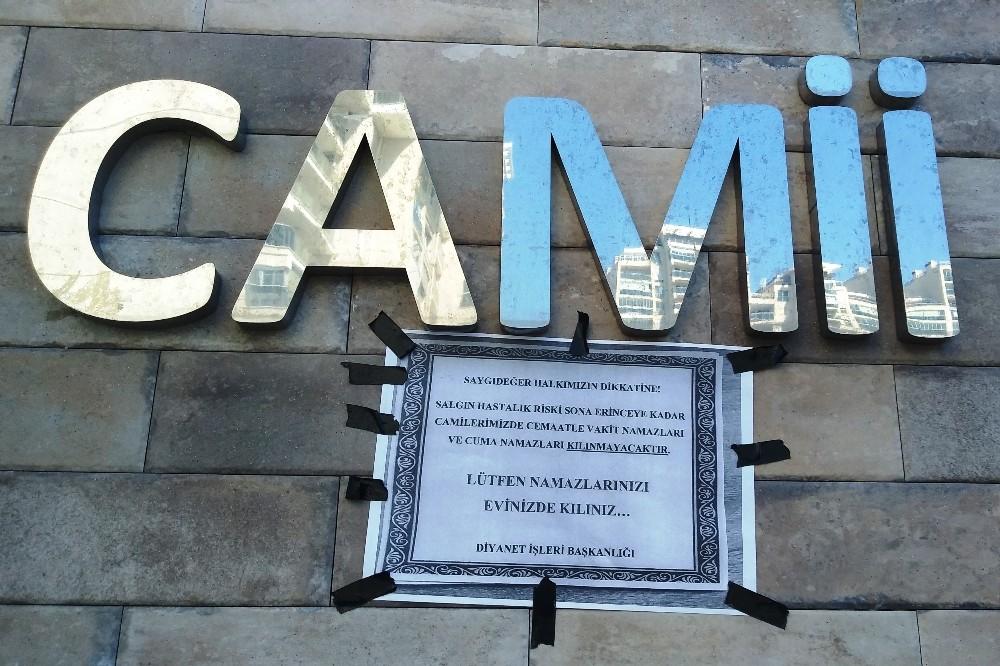 İzmirdeki Camiler Boş Kaldı