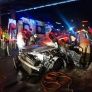 İzmirde Feci Kaza: 1İ Ağır, 3 Yaralı