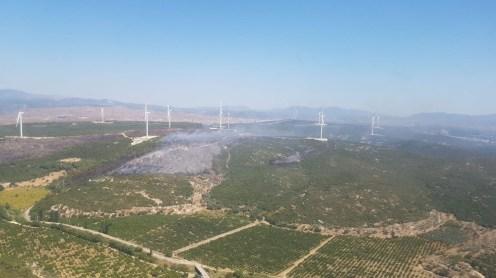 İzmirde Makilik Alandaki Yangın Kontrol Altında