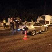 İzmirde Korkunç Kaza: 2 Ölü, 2 Yaralı