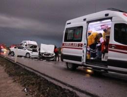 Manisada Zincirleme Trafik Kazası: 4 Yaralı