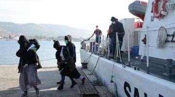 İzmirde Yunan Unsurları Tarafından Geri İtilen 69 Düzensiz Göçmen Kurtarıldı