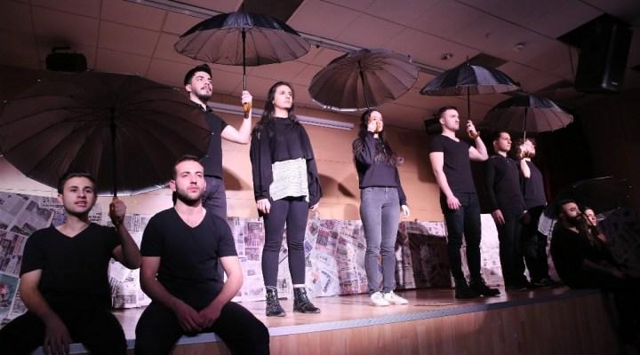 Buca'da Sanatın Temeli Gençlik Merkezlerinde Atılıyor