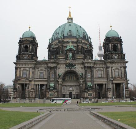 Berlin Dome, Ausflugsziele, Sehenswürdigkeiten und Freizeittipps mit den Hund in Berlin