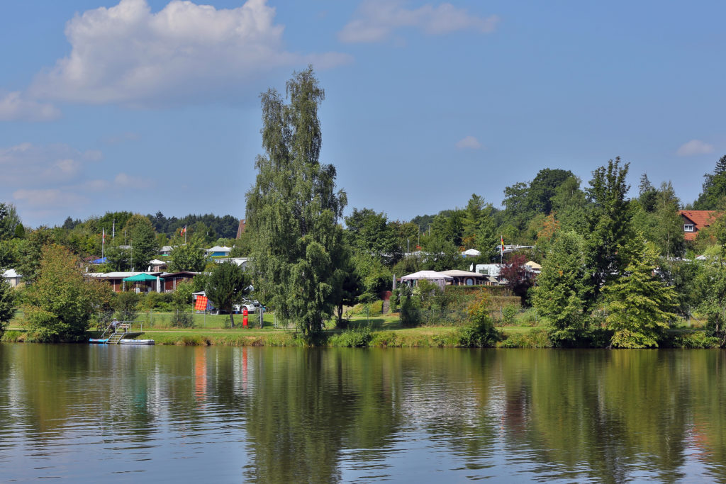 Zahlreiche Campingplätze befinden sich direkt an den Gewässern des Ellwanger Seenlands - Campingurlaub im Ellwanger Seenland