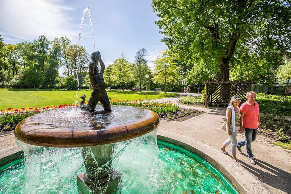 Der Triton-Brunnen im Max-Reger-Park ist einer der außergewöhnlichen Brunnen in Weiden.