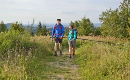 Der Teutoburger Wald, in dem zwei Naturparke liegen, ist ein abwechslungsreiches Wanderrevier.