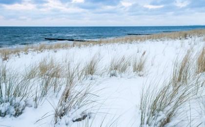 Muntermacher: Ein Spaziergang an der klaren Ostseeluft erfrischt nach einer langen Partynacht.