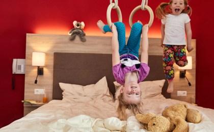 Familienfreundlich: Die Zimmer im Gut Wenghof sind bestens auf kleine Gäste vorbereitet.