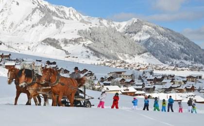 Mit drei PS den Hang hinauf: Der Bio-Skilift in Disentis ist eine Attraktion für kleine Wintersportler.