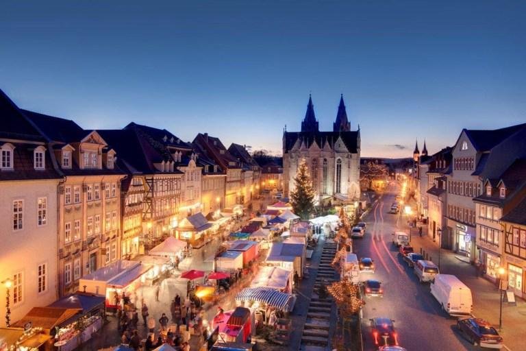 Inmitten der Mühlhäuser Altstadt am Untermarkt und am Kristanplatz findet vom 8. bis 11. Dezember der Weihnachtsmarkt statt - Weihnachtsmärkte entlang der Deutschen Fachwerkstraße