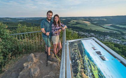 Auf dem Roßbacher Häubchen mit Blick über das Wiedtal