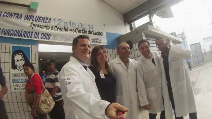 Na foto, os médicos Mauricio Lucrecia, Dantas, Gabriel e Anderson.