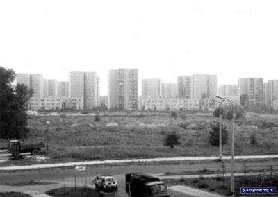 Lanciego, po lewej Lasek Brzozowy. Na wprost trwa jeszcze budowa metra. Data orientacyjna, zdjęcie znalezione, autor poszukiwany.