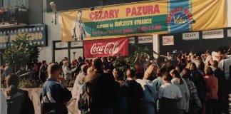 """Sam Cezary Pazura otworzy nową wypożyczalnię wideo """"Beverly Hills"""" przy Belgradzkiej. Fani już czekają."""