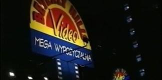 Wypożyczalnia DVD Beverly Hills na Belgradzkiej w złotych czasach kina domowego. To był przybytek! Poza płytami oferował wino i słodycze. Towarzystwo trzeba było załatwić we własnym zakresie. Kadr z filmu promocyjnego Gminy Ursynów.