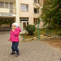 Mała księżniczka nie odmówi na pewno ciacha i gdyby 30 lat temu odwiedziła to miejsce na Miklaszewskiego, pewnie by je dostała. Działała tu jedna z dwóch ursynowskich cukierni. Fot. Maciej Mazur.