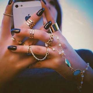 Beautiful Girl DP with iPhone