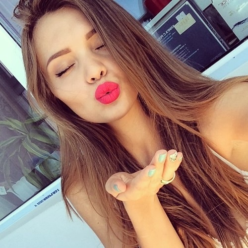 Cute Pout Pic for DP