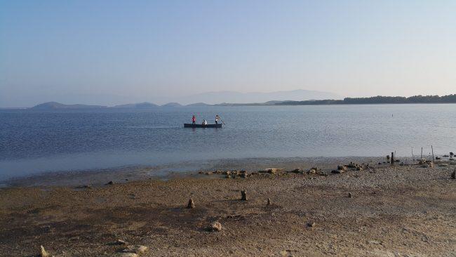 Jetë peshkatarësh në lagunën e Karavastasë