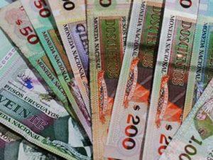 pesos-uruguayos