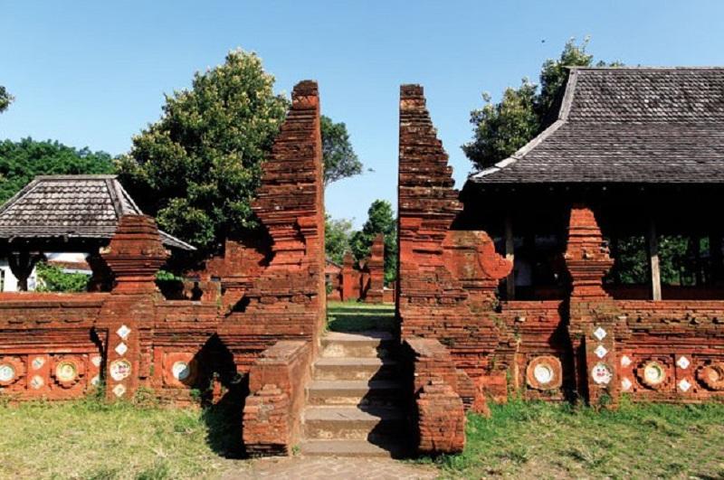 Sejarah Lengkap Kerajaan Cirebon Beserta Silsilah Para Raja