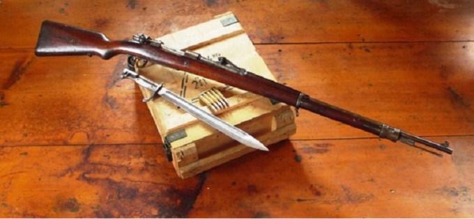 sejak adanya perjanjian versailles senjata ini dilarang digunakan